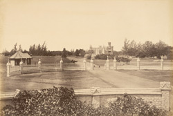 [Distant view of the Palace at Bangalore from the main gateway.]